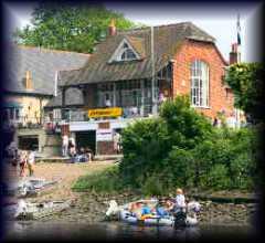 Quinton Boat                   Club