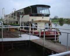 Trent River                                   cruises