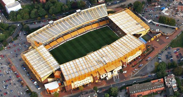 Molineux                                     Wolverhampton